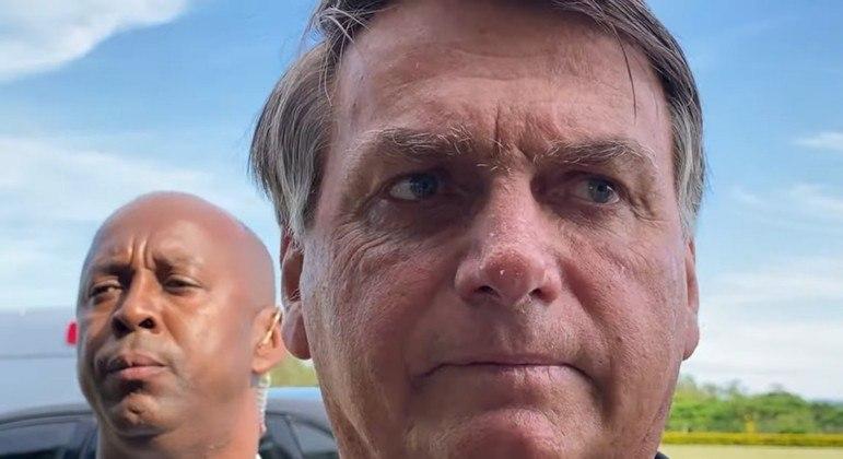 Bolsonaro critica exclusão de Donald Trump das redes sociais