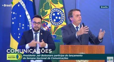 Bolsonaro durante abertura oficial da Semana das Comunicações