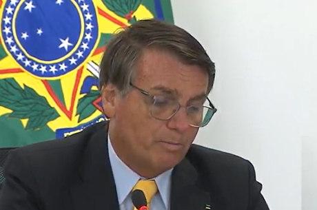 Bolsonaro defende ampliação de negócios com árabes