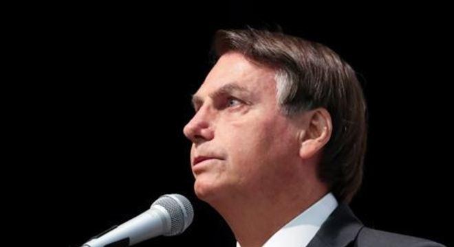 Presidente afirma que vai revogar a exclusão de 17 ocupações do MEI