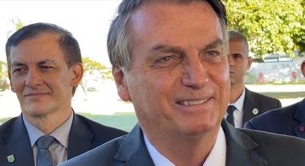 Bolsonaro questionou apoiador que elogiou vacinas