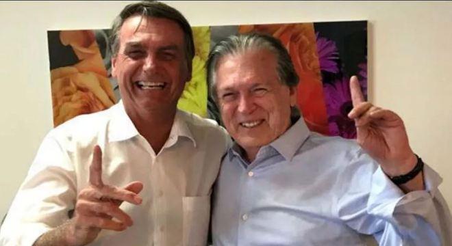Bolsonaro com Bivar, presidente do PSL