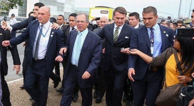 Bolsonaro e Guedes a caminho do Congresso