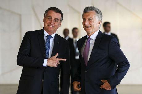 Bolsonaro recebe Macri, em Brasília, logo após a posse
