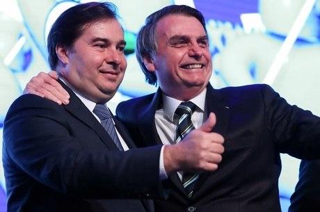 Maia e Bolsonaro discutem partilha de recurso do leilão do pré-sal