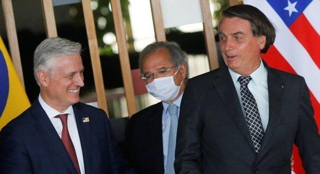 Bolsonaro e Paulo Guedes receberam o assessor de segurança dos EUA, Robert O'Brien, esta semana