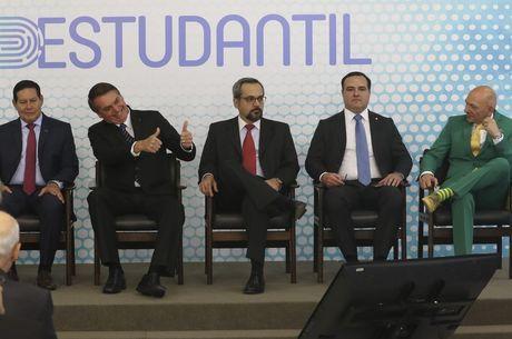 Bolsonaro durante o lançamento da ID Estudantil