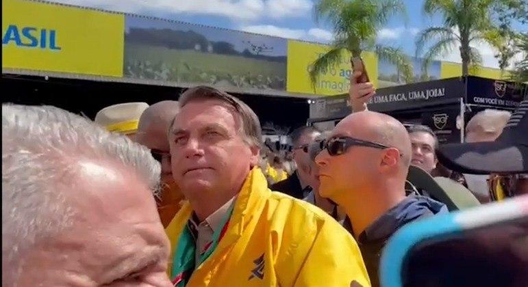 Bolsonaro causa aglomeração na Expointer, em Esteio (RS)