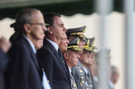 Oito dos 22 ministros de Bolsonaro são militares, a maior participação das Forças Armadas em um governo desde a redemocratização