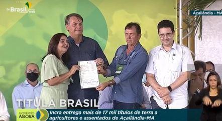 Bolsonaro entrega de título de Terra a produtores de Açaílândia (MA)