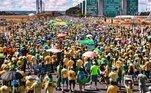 Vários admiradores e apoiadores de Bolsonaro estavam usando a camisa da seleção brasileira de futebol