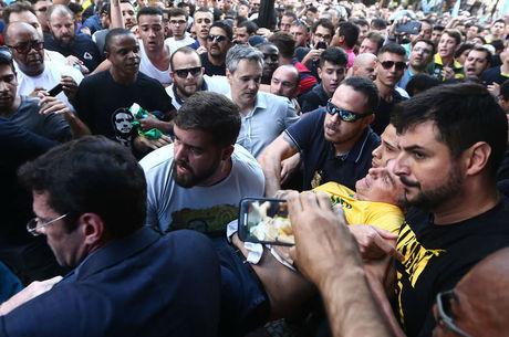 "Bolsonaro apresenta ""uma leve anemia"""