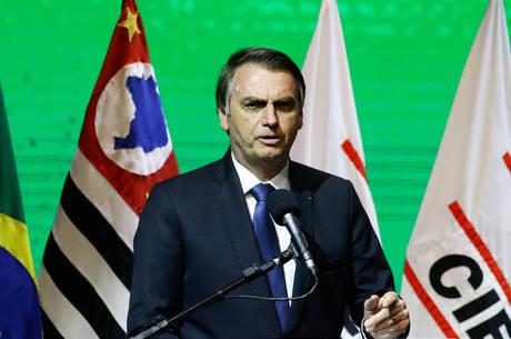 Bolsonaro assinou decreto na terça-feira (11)