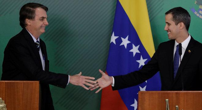 """Guaidó disse que """"não se pode viver em paz"""" como ditadura"""