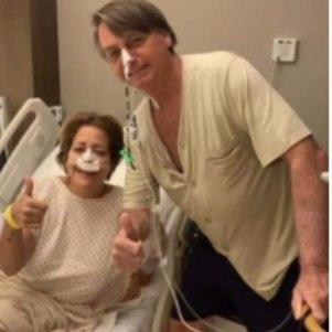 Bolsonaro ao lado de paciente no hospital