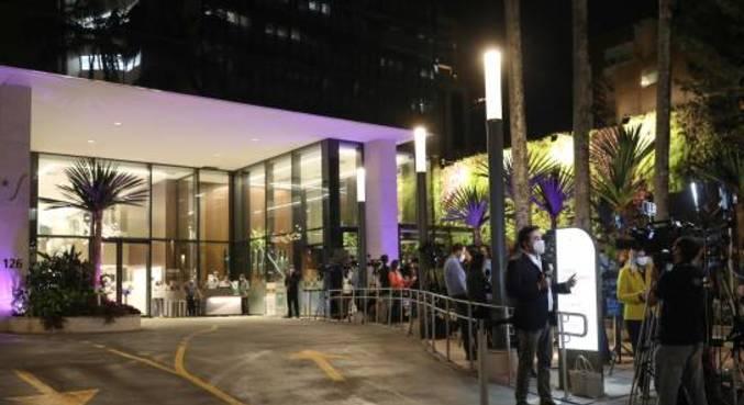 Entrada do hospital Vila Nova Star, onde presidente Jair Bolsonaro está internado, em São Paulo
