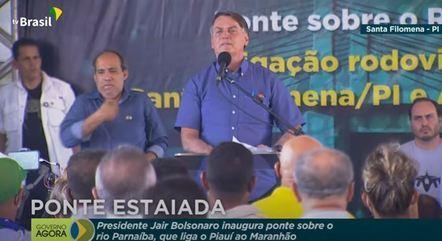 Bolsonaro discursa durante a inauguração da ponte sobre o Rio Parnaíba
