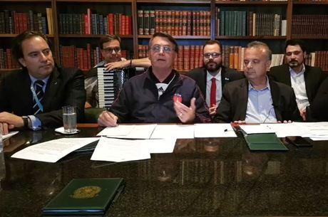 """""""Estaremos à disposição dos Estados"""", disse Bolsonaro"""