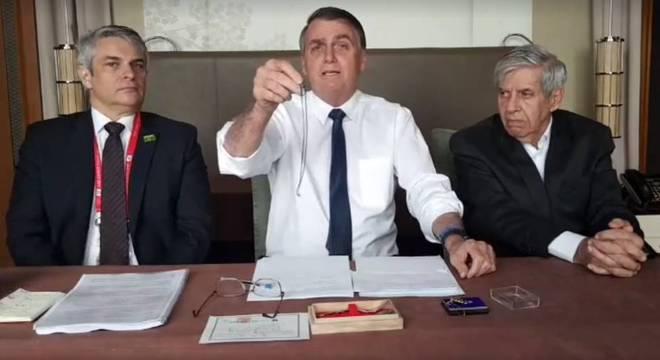 Bolsonaro fala em nióbio durante live
