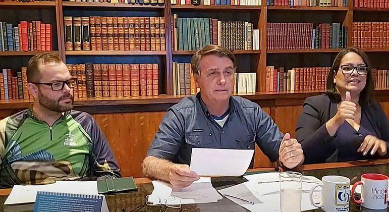 Bolsonaro vai editar decreto que obriga postos a exibirem composição do preço do combustível