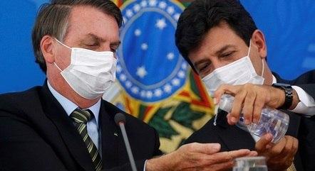 Na imagem, Jair Bolsonaro e Luiz Mandetta