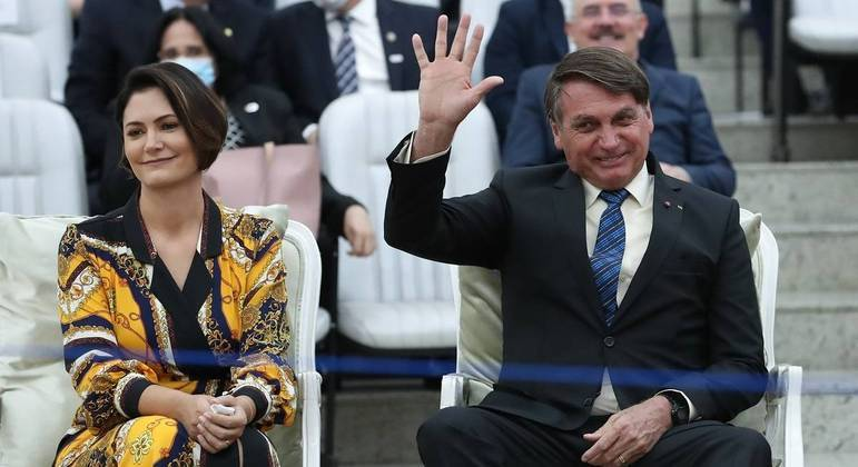 A primeira-dama Michelle Bolsonaro e o presidente Jair Bolsonaro