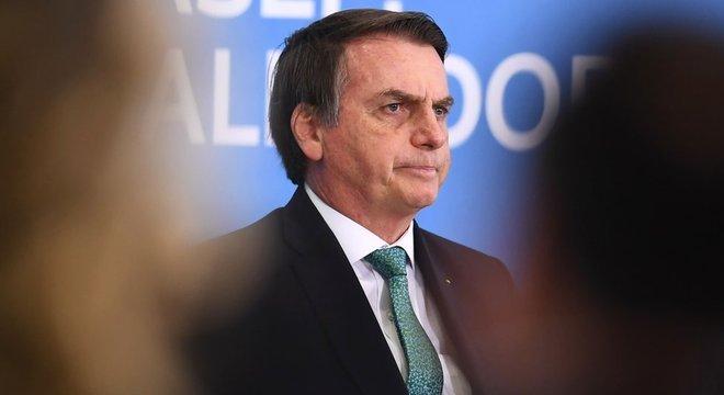 'Sempre tomei cuidado nas informações estratégicas, essas não são passadas via telefone', declarou Bolsonaro