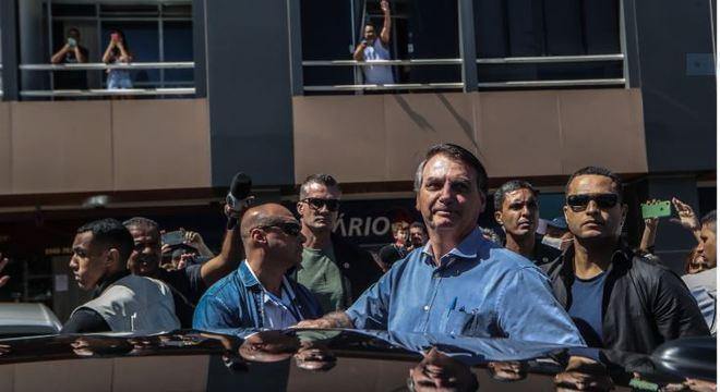 """Bolsonaro em farmácia: """"Vim comprar anticoncepcional"""""""