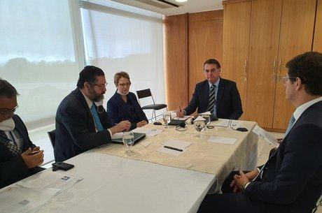 Bolsonaro fez ligação na presença de ministros