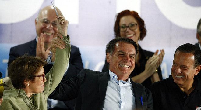 """""""Estamos tirando o Estado do cangote daqueles que produzem"""", diz Bolsonaro"""
