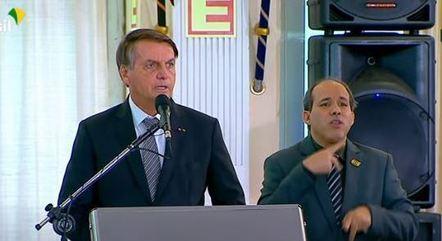 Bolsonaro discursa em solenidade de promoção de oficiais-generais, em Brasília