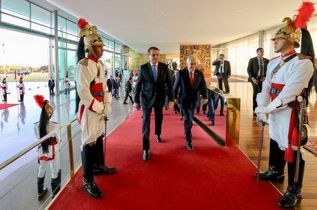 Bolsonaro se encontra com Sebastián Piñera, do Chile