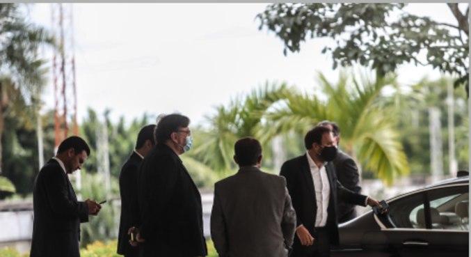 Movimentação de deputados do PTB durante encontro com o presidente Jair Bolsonaro
