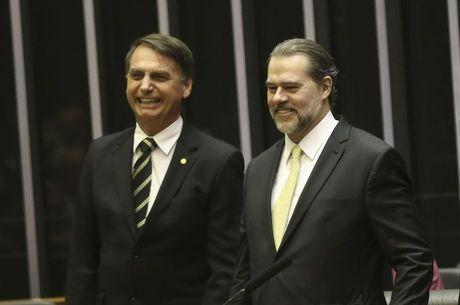 Bolsonaro se encontra com Dias Toffoli em Brasília