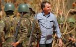 Presidente Jair Bolsonaro participa de treinamento militar em Formosa (GO)