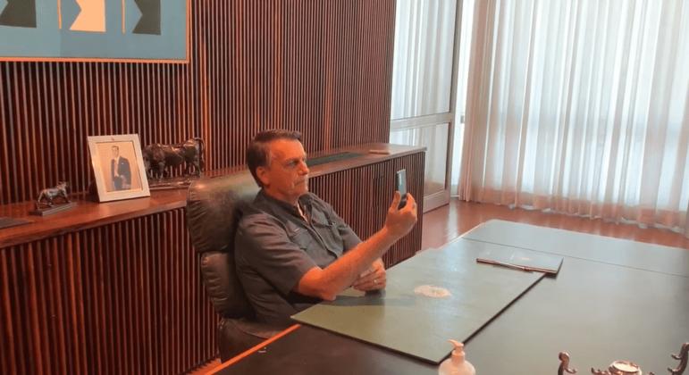 Bolsonaro falou a manifestantes em videochamada