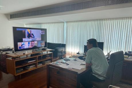 Presidente está trabalhando nesta quarta (8)