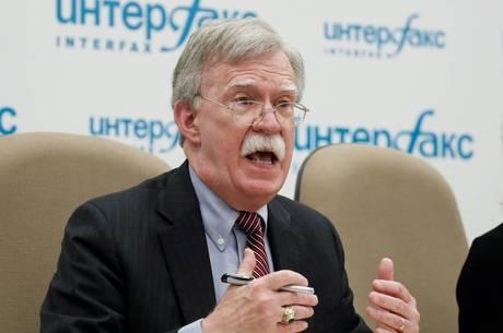 Bolton se reuniu por 90 minutos com Putin no Kremlin