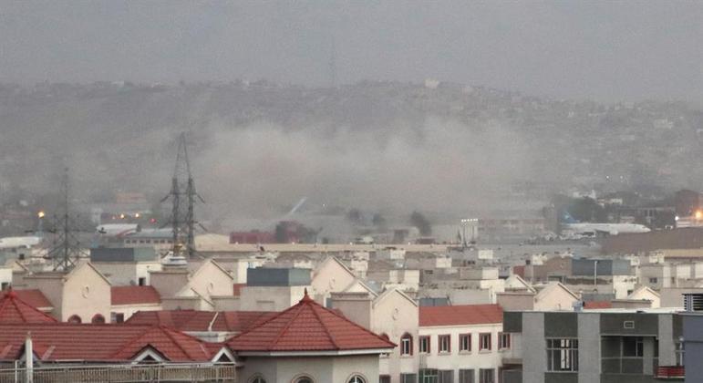 Bomba aeroporto de Cabul
