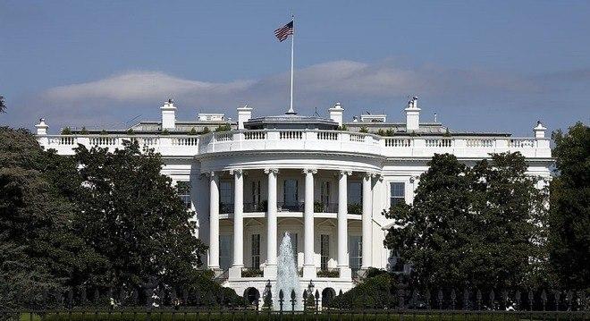 A porta-voz da Casa Branca disse que deseja uma rápida recuperação a Bolsonaro