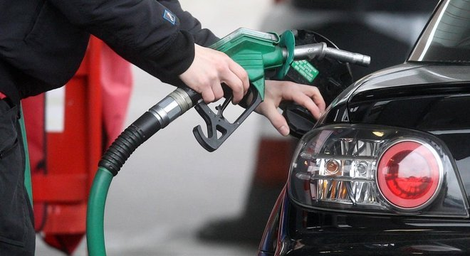 Litro da gasolina será reduzido em R$ 0,0549 a partir desta terça