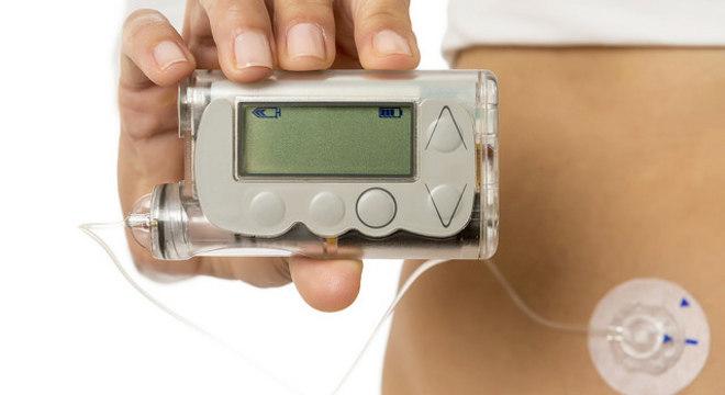Empresa deve fazer recall de bombas de insulina que podem sofrer invasão
