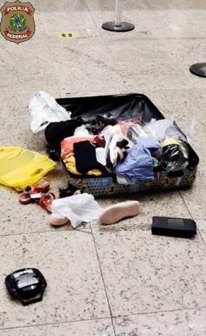Polícia vez buscas em bagagem