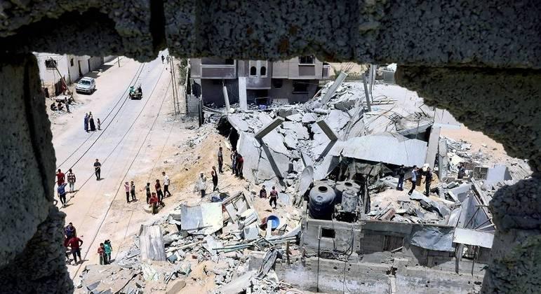 Bombardeio de Israel em Gaza deixa 40 mortos neste domingo (16) para atingir casa de líder do Hamas