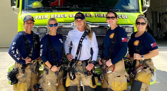 Time de bombeiras formado apenas por mulheres conquistou a internet