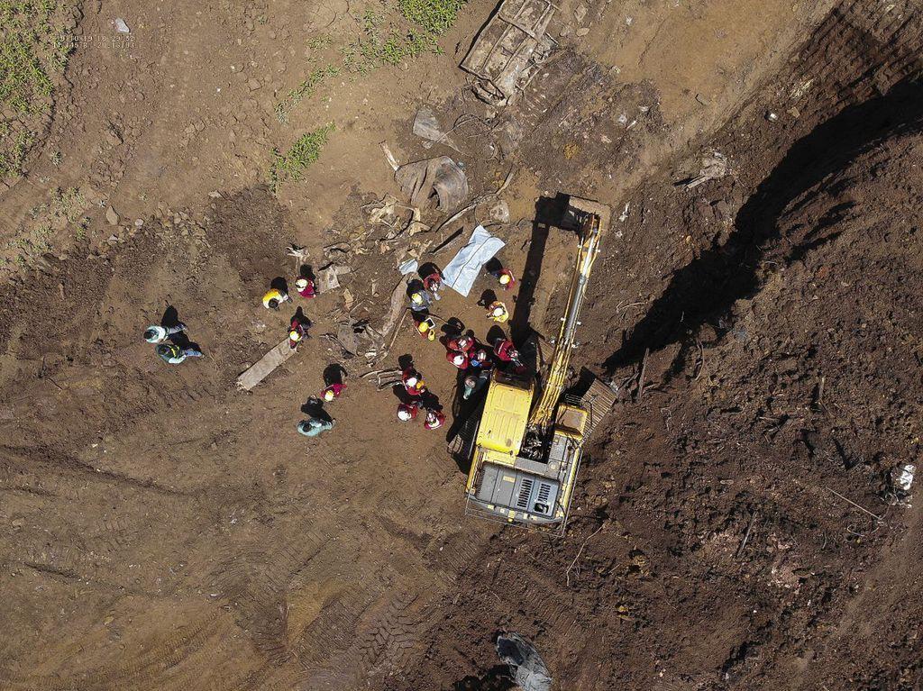 Buscas por 11 desaparecidos em Brumadinho são retomadas