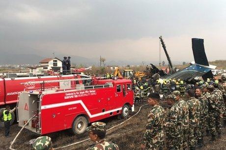 Segundo os sobreviventes, o avião estava dando voltas e subindo e descendo antes da queda Forte explosão
