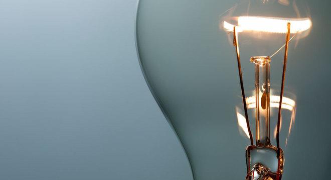 Os filamentos da lâmpada que funciona desde 1901 são oito vezes mais grossos que os das lâmpadas comercializadas atualmente Do que é feita a lâmpada que não apaga
