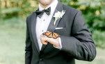 A borboleta não só apareceu no local, como também fez questão de posar para os cliques com os noivos Brooke e Drew