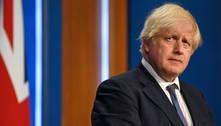 Johnson pede 'prudência' contra covid antes de levantar restrições